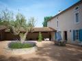 L'Olivier courtyard