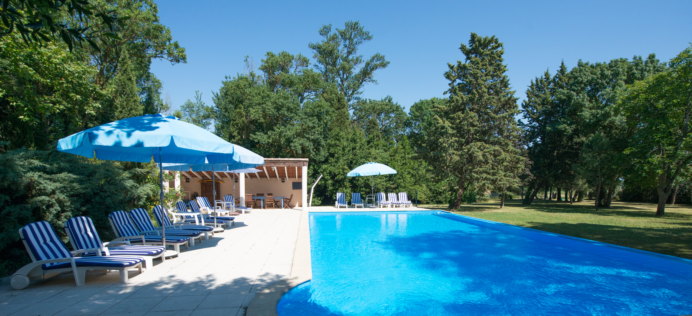 Holiday home le palmier carcassonne for Community swimming pool grants